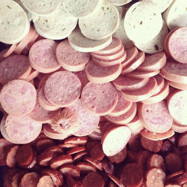 Parte de los embutidos que se usan para completar el fiambre.